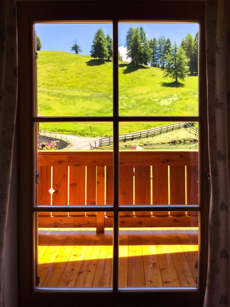 panorama alpino dalla finestra